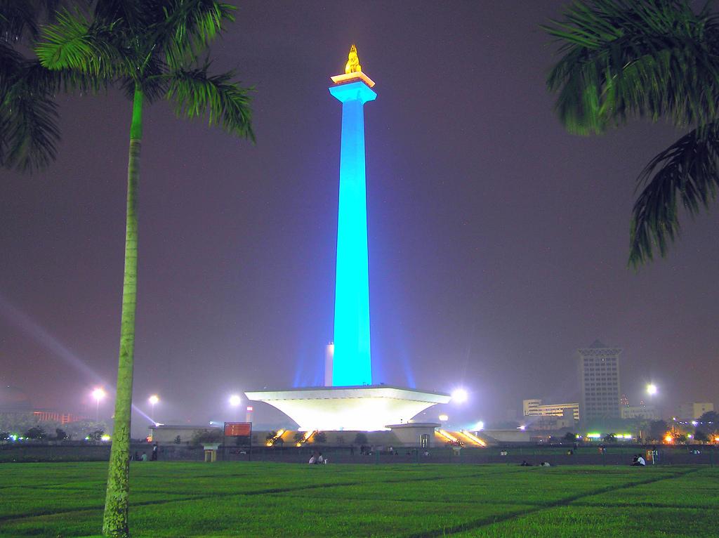 Джакарта, обелиск