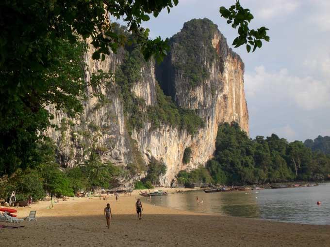 Пляж Тон Сай