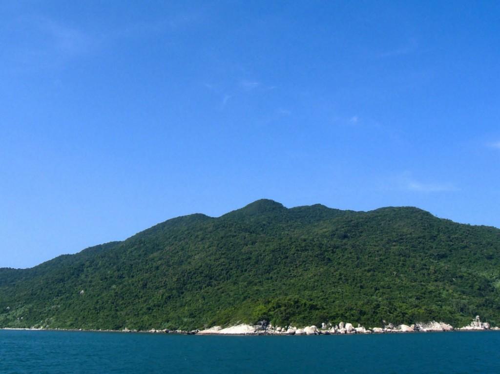 Остров страусов в заливе Ня Фу