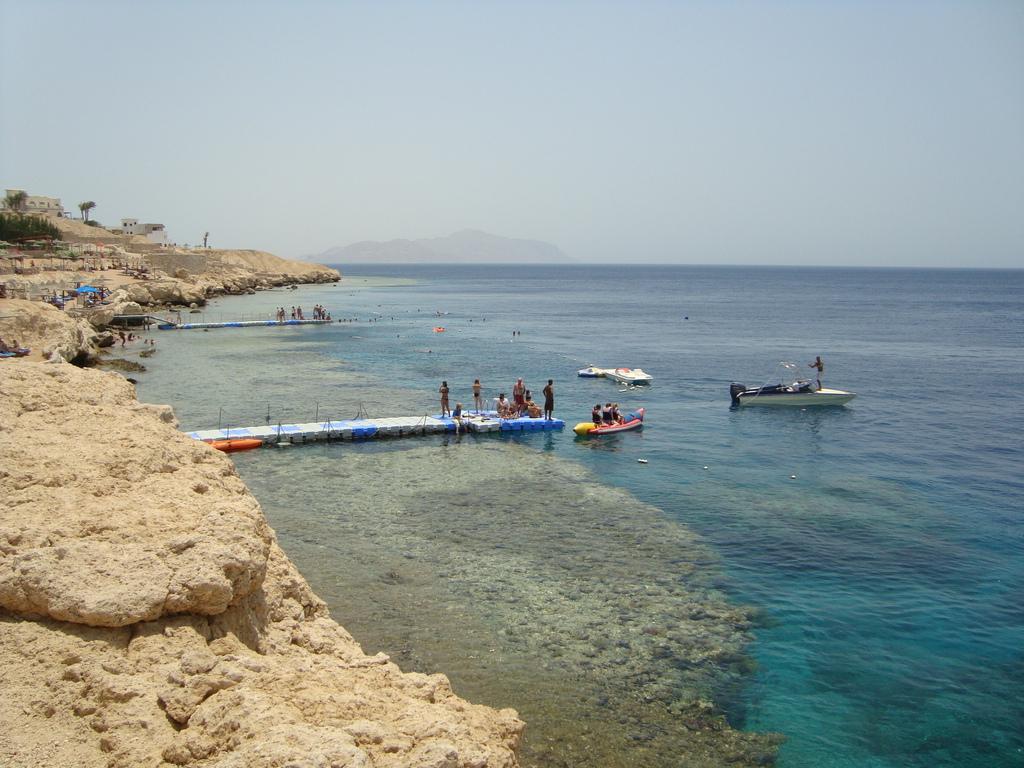 Пляж отеля в Шарме