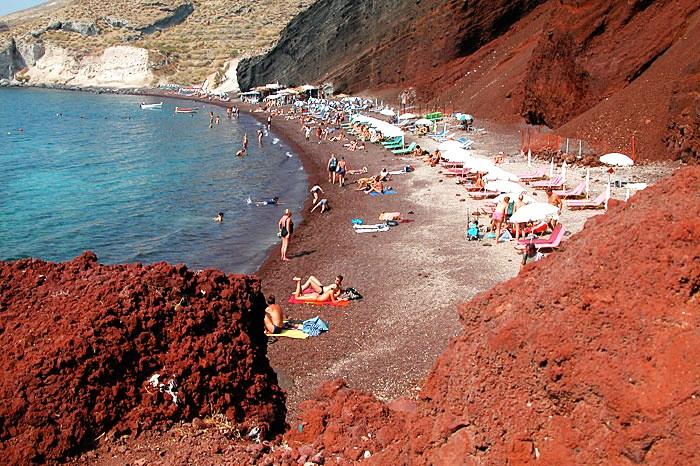 Красный пляж