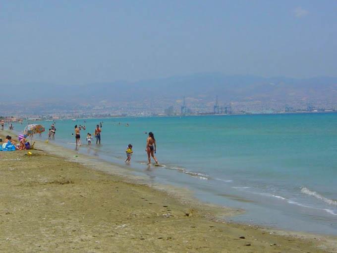 Пляж Лейдиз Майл, Кипр