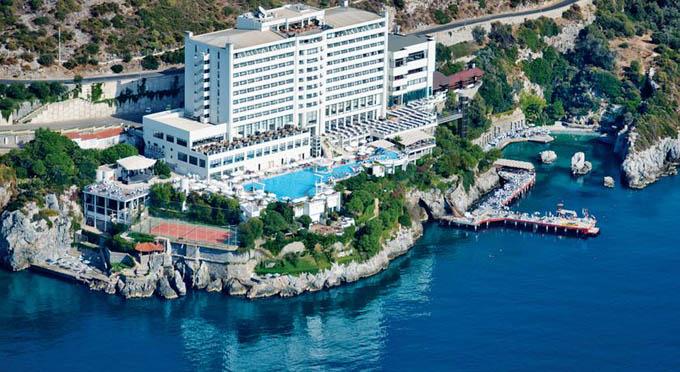 Отель Korumar