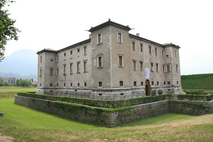 Дворец Альбере