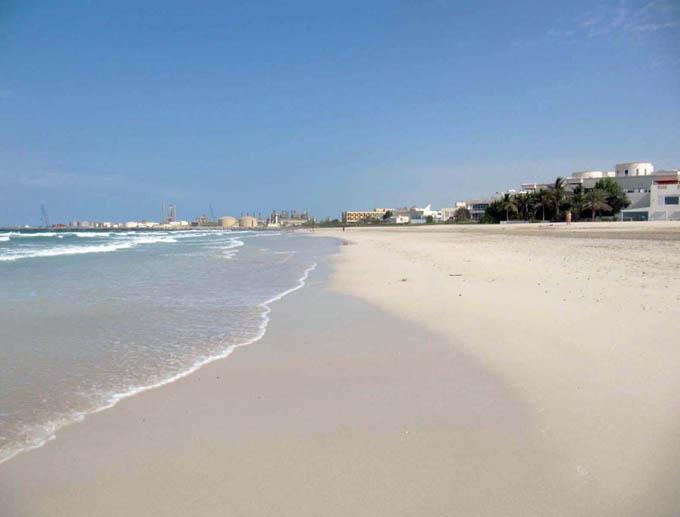 Пляжи Шарджи